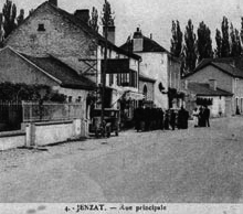 Rue - Photo de Jenzat, Village de la Vallée de la Sioule